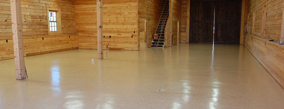Barn Desert Tan Flake Epoxy Floor Raleigh 0475 FEATURE 585x225